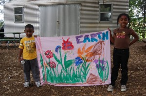 kids and banner_EarthDay40 2010 023